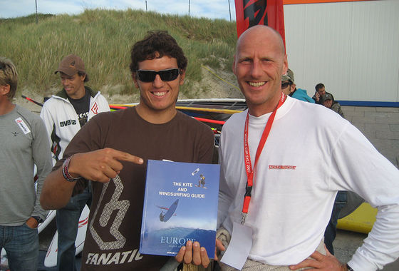 The Kite and Windsurfing Guide, editor Udo Hölker, Windsurfing Champion Victor Fernandez