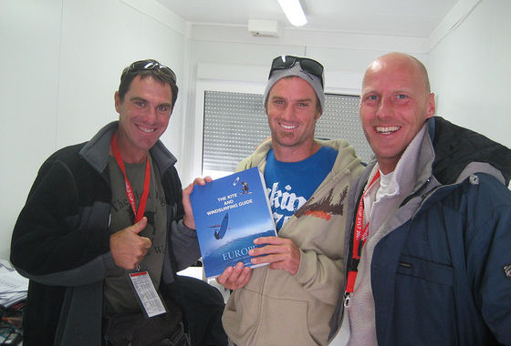 The Kite and Windsurfing Guide, editor Udo Hölker, iconic waterspoirts photographer John Carter & windsurfing champion Kevin Pritchard